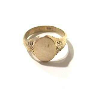 Jewelry - L & S Golden Ring